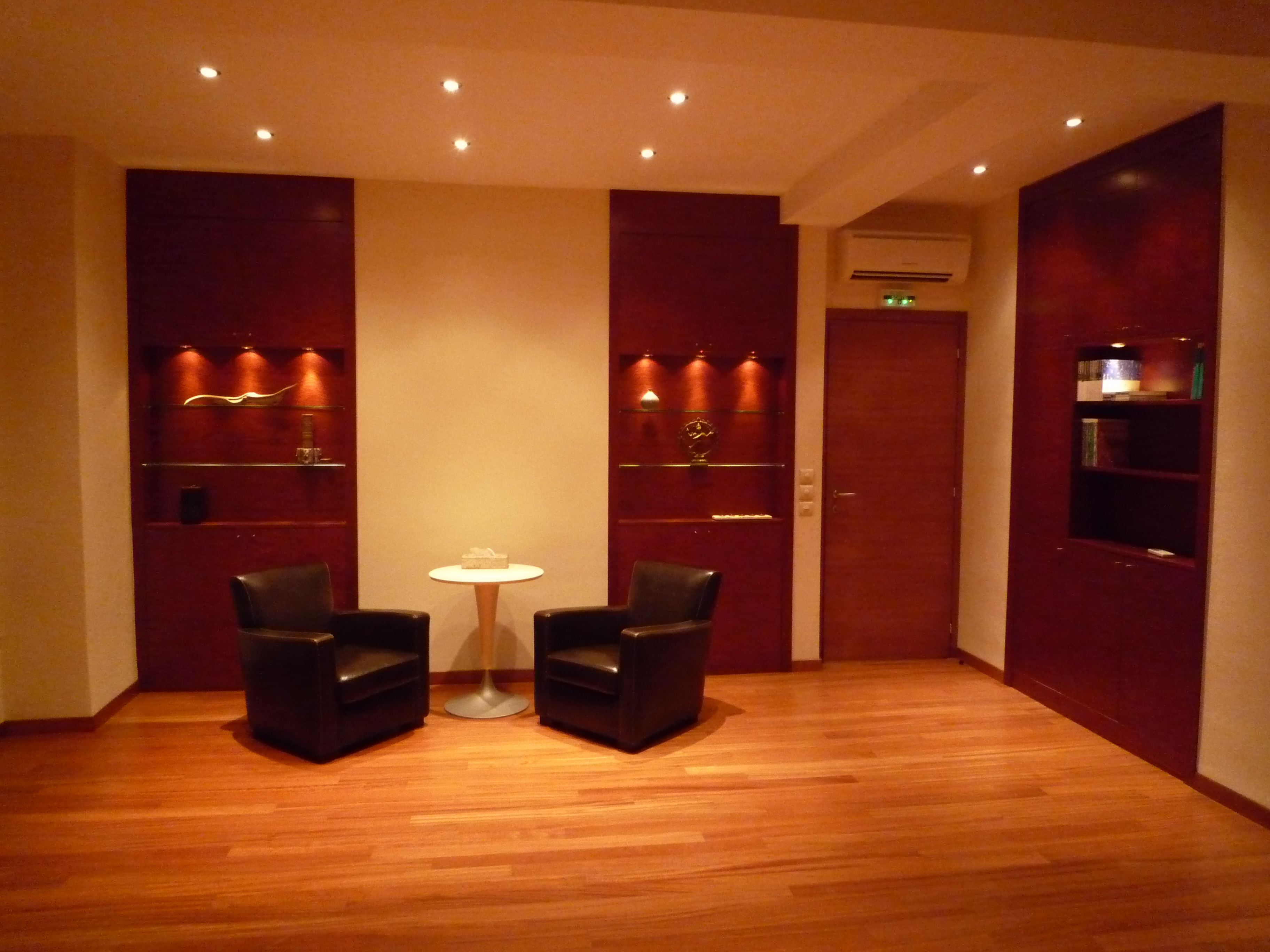 location de cabinets et salle de formation l 39 heure beausoleil 06240 petites annonces. Black Bedroom Furniture Sets. Home Design Ideas