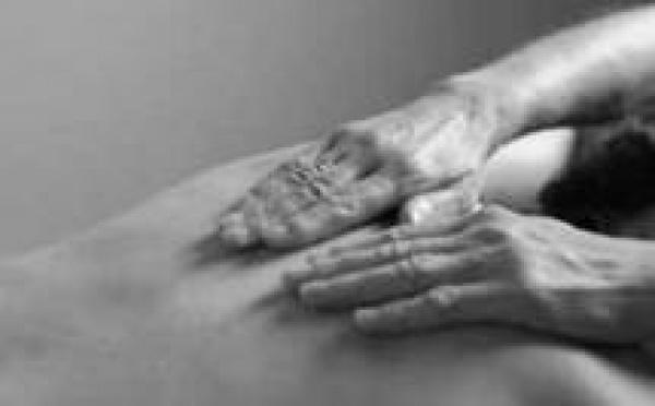 Ostéopathie, la thérapie manuelle. Médecines alternatives